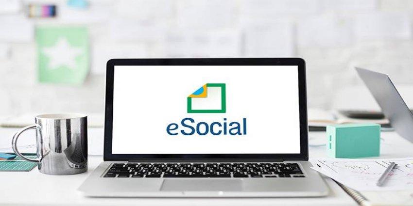 Nota comunica adiamento do eSocial para pequenas empresas